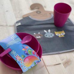 Hungry Baby - Box - Kindergeschirr Geschenkset mit personalisierbarem Lätzchen