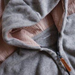 Kitz Heimat Bio-Baumwollfleece Overall Grey Summer Rose atmungsaktiv
